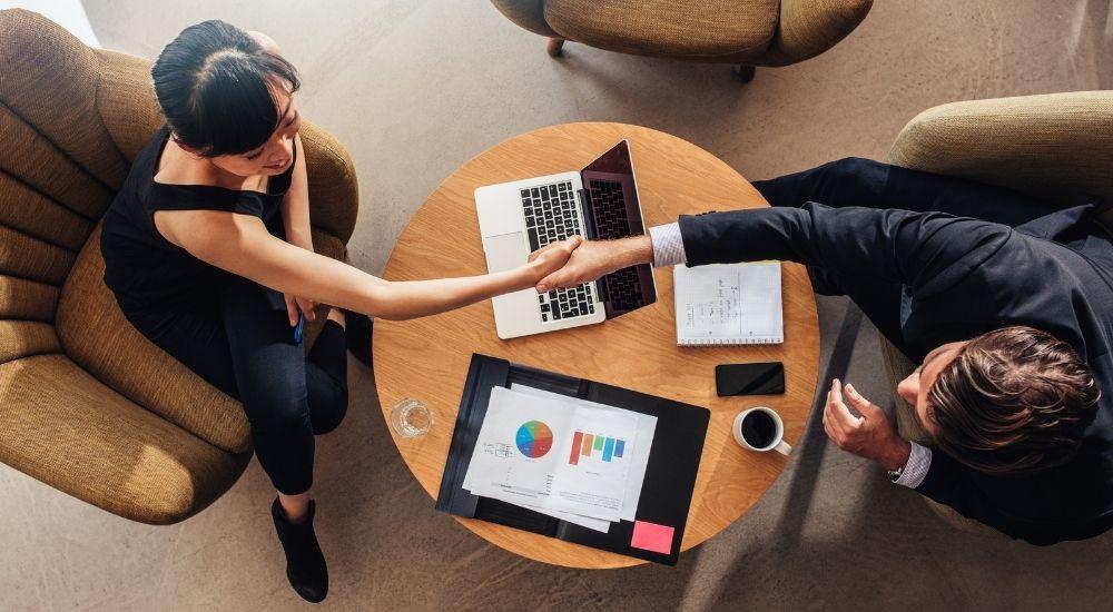 Los centros de negocio mantienen su actividad y su empleo